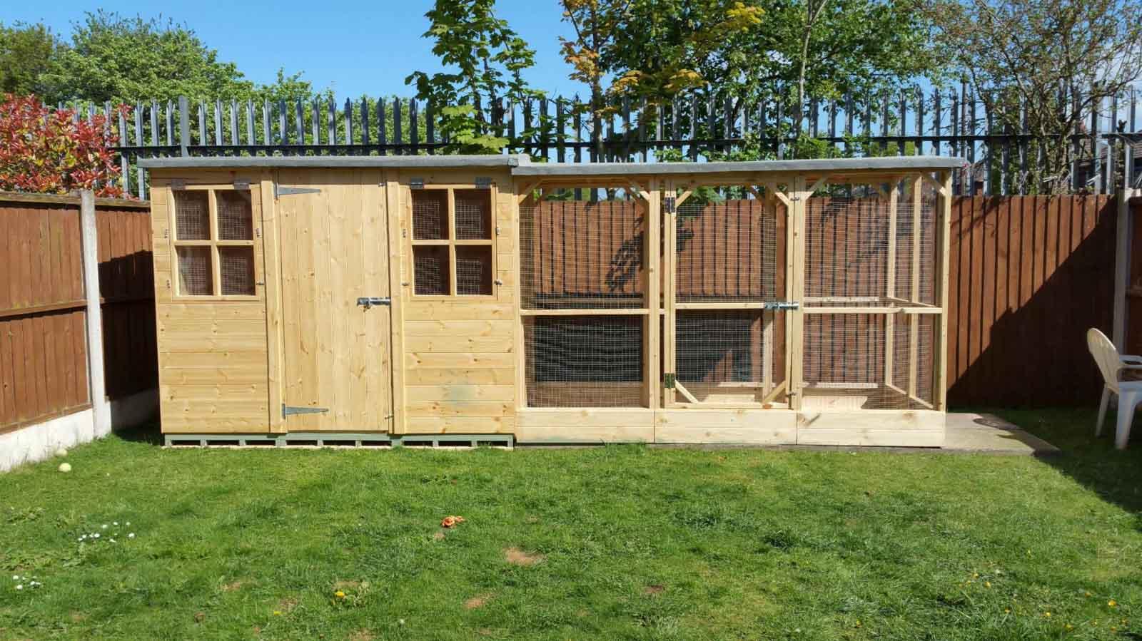 Abri de jardin avec grand enclos pour lapin